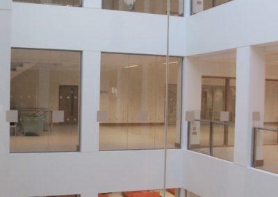 ucd-science-atrium-glass-screens-031